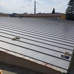 11. Dokončování plechové krytiny střechy